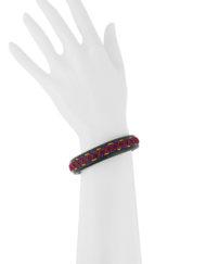 Bracelet en cuir naturel surpiqué de couleurs estivales en combinaisons choisies et originales. 100% cousu à la main dans notre atelier à Paris.