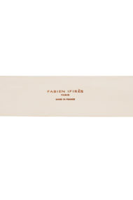 Logo / Ceinture Calypso design Fabien Ifirès, accessoire de mode entièrement en cuir fabriqué à la main à Paris dans notre atelier.