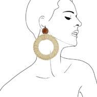 Grandes boucles d'oreilles clip design Fabien Ifirès, en raphia tressé sur cuir, fabriqué à la main dans notre atelier à Paris, 100% made in France.