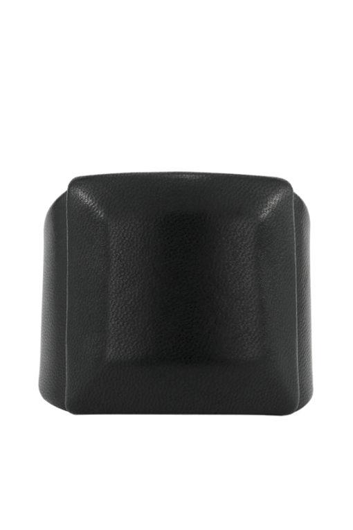 Manchette design Fabien Ifirès, style minimaliste avec cette large manchette au cabochon en cuir noir carré, 100% made in France.