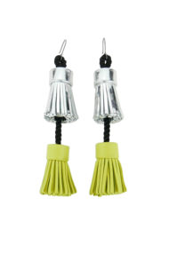 boucles d'oreilles design Fabien Ifirès / pompons bicolores